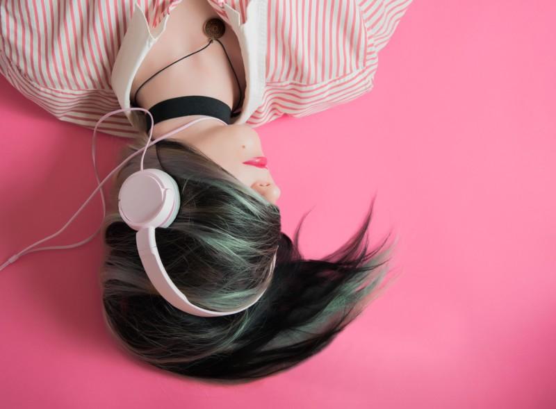 Определены лучшие потоковые сервисы музыки