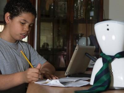 Кейр и его робот AV1