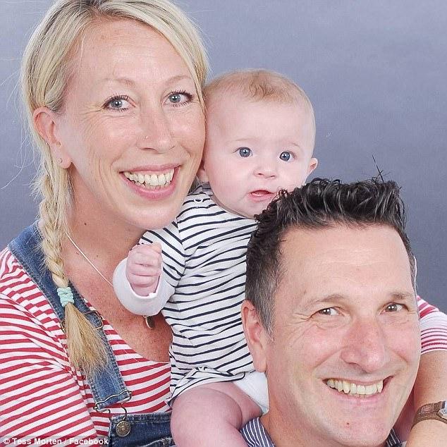Женщина родила спустя семь лет после менопаузы