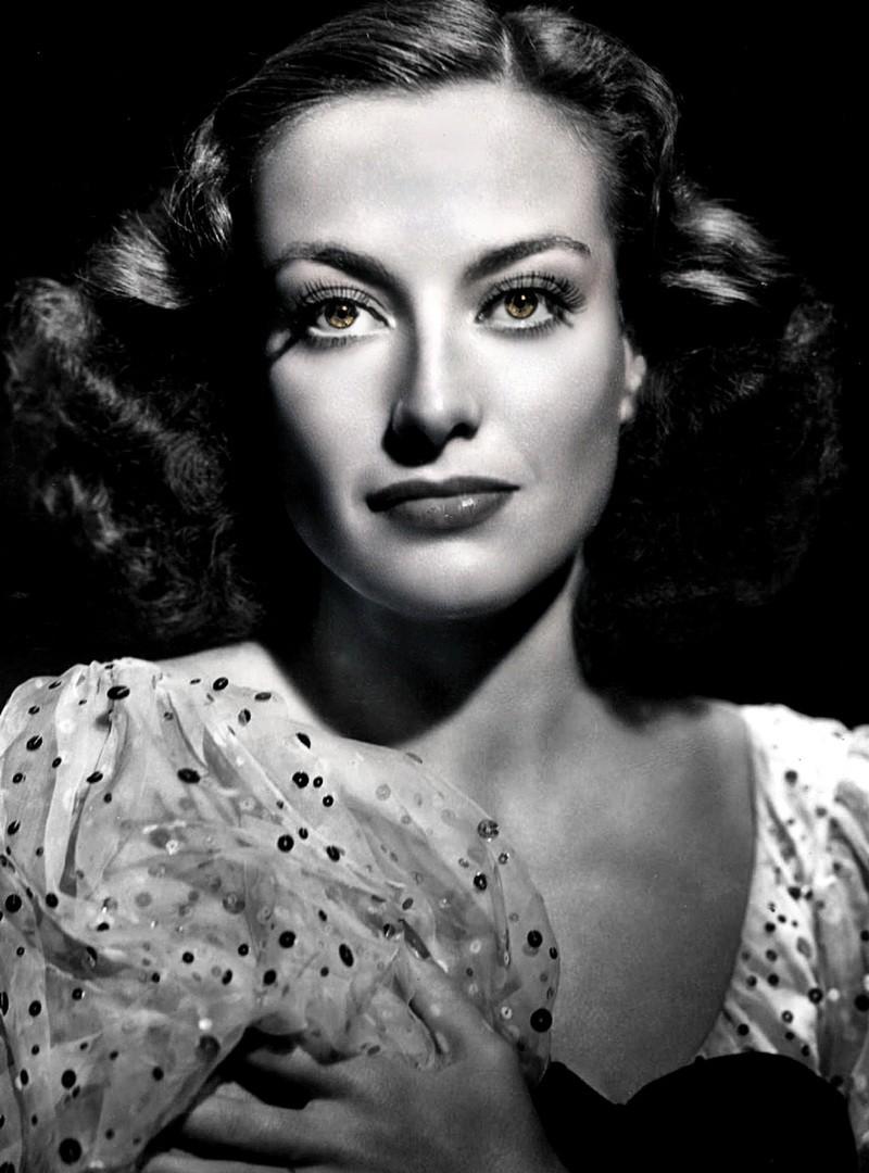 Кислота, золотая пыль мрамор – тайны красоты известных актрис XX века