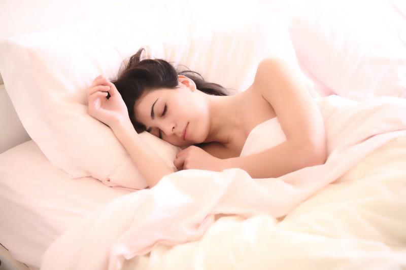 Секс и сон – ключи к счастью, а не деньги