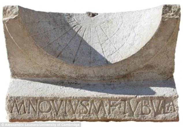 2000-летние часы рассказали о жизни древнеримского политика