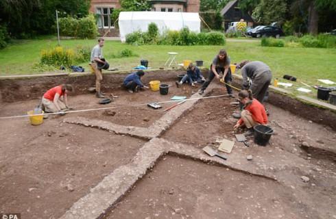Невероятный лагерь викингов нашли в Англии