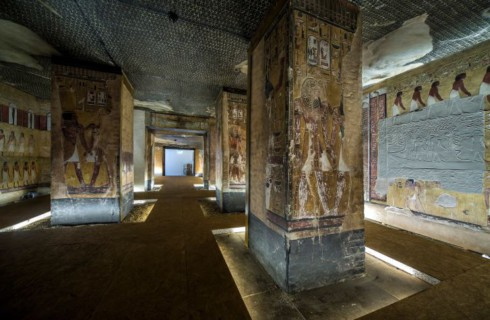 В Швейцарии появилась египетская пирамида