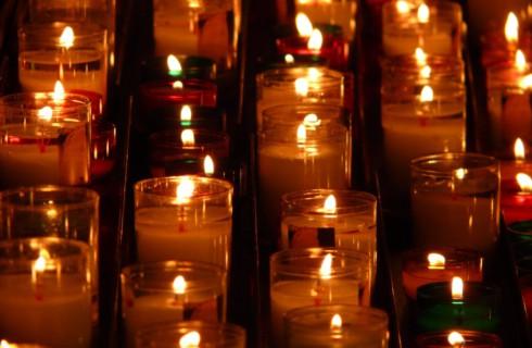 Как правильно жечь свечи