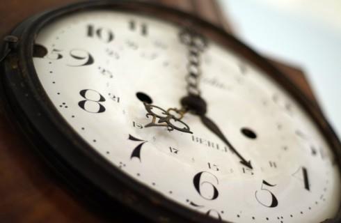 Время пошло назад в квантовом эксперименте