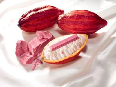 Розовый батончик KitKat