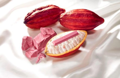 Nestle выпускает розовый KitKat