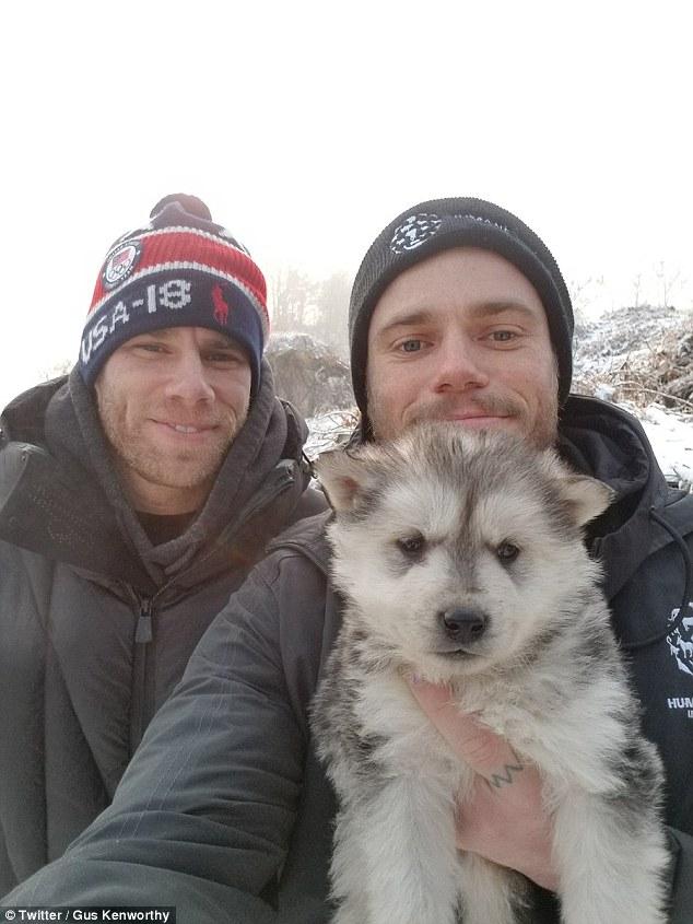 Лыжник Гас Кенуорти спас щенка с южнокорейской собачьей фермы