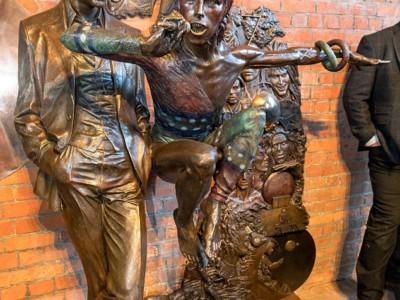 Статуя Дэвида Боуи