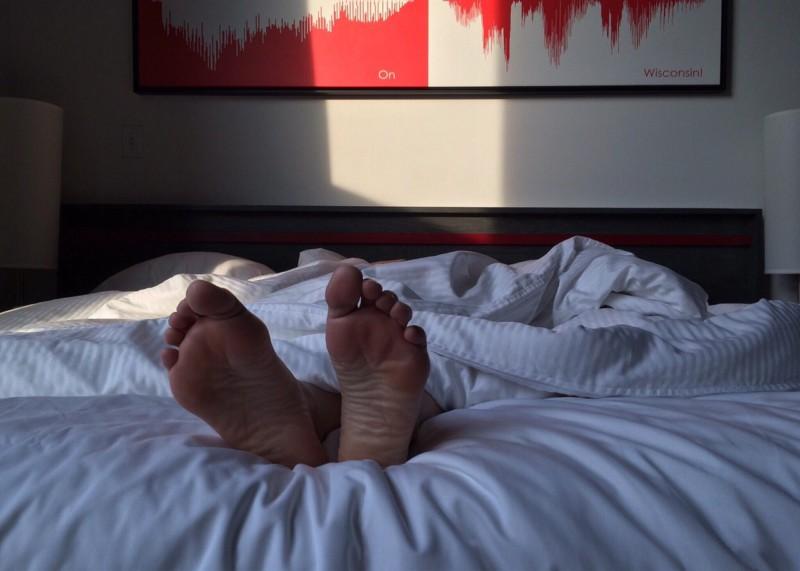 Как помочь подросткам больше спать