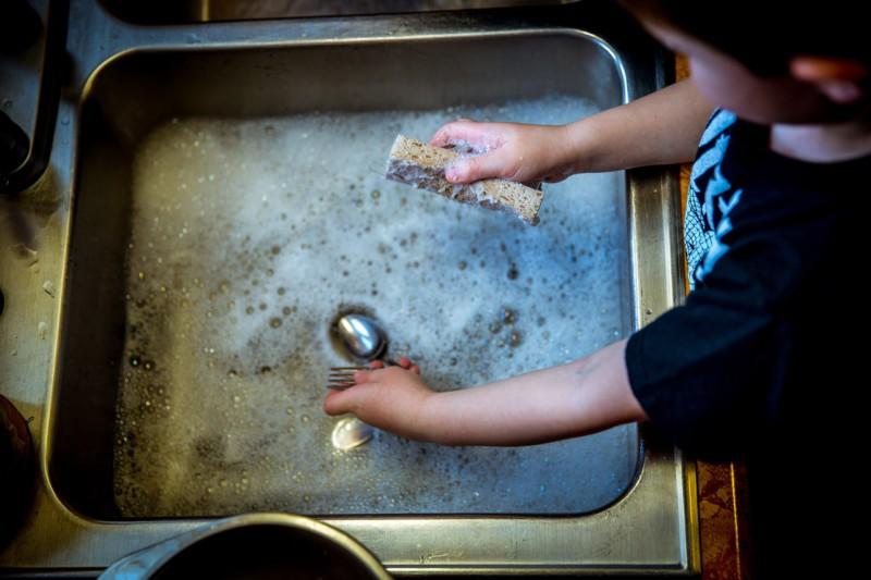 Как заставить себя мыть посуду