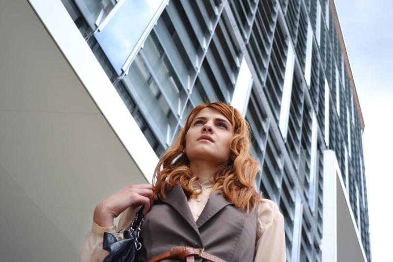 Как женщинам использовать внешний вид, чтобы продвигаться по карьерной лестнице