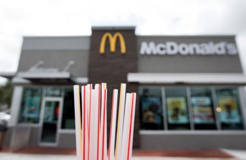 McDonald's откажется от пластиковых трубочек
