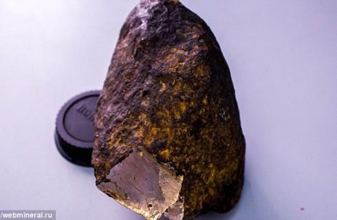 Российские ученые нашли таинственное вещество в сибирском метеорите