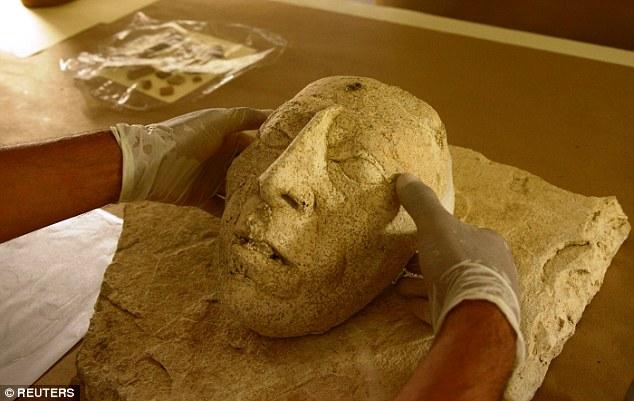 Ученые нашли самую редкую маску в мире