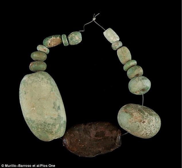 Доисторические люди торговали янтарем