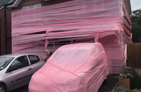 Медовый месяц пары закончился розовой шуткой