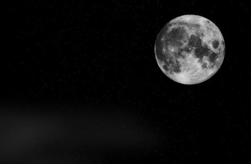 Китай собрался освещать города искусственной луной